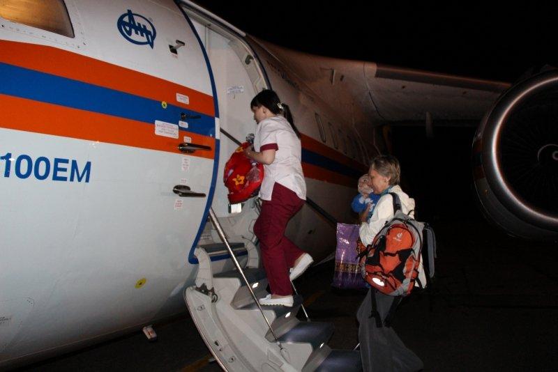 Пятерых тяжелобольных крымчан, в том числе двух малышей, доставили спецбортом в ведущие клиники России (ФОТО), фото-1