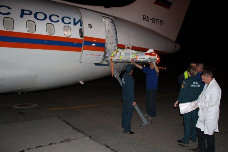 Пятерых тяжелобольных крымчан, в том числе двух малышей, доставили спецбортом в ведущие клиники России (ФОТО), фото-3