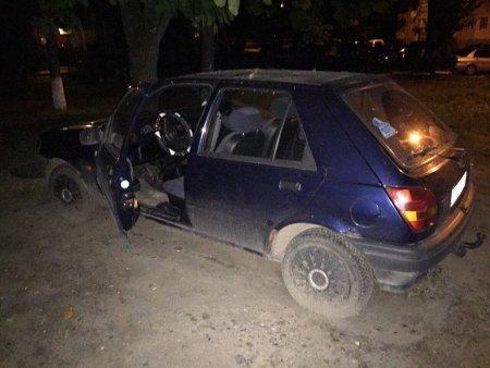 У Львові неповнолітні юнаки намагались викрасти автомобіль (ФОТО) (фото) - фото 1