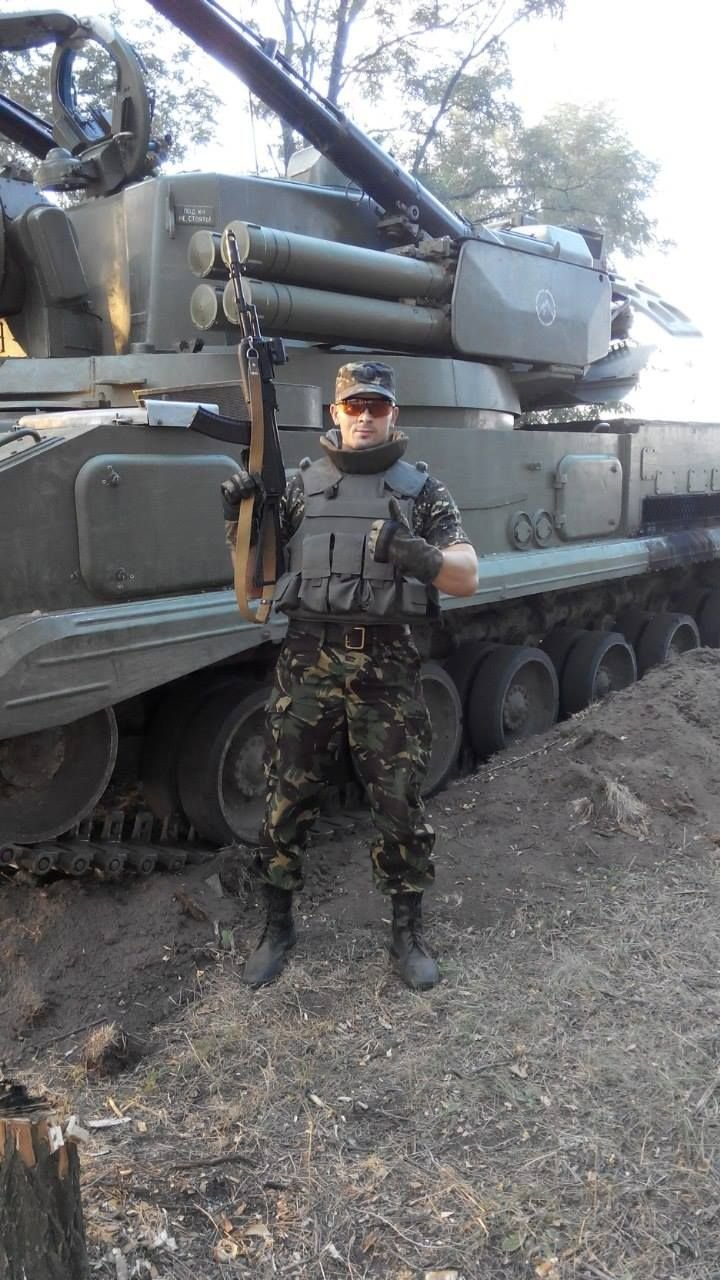Наводив артилерію і авіацію на себе, щоб врятувати товаришів (фото) - фото 1