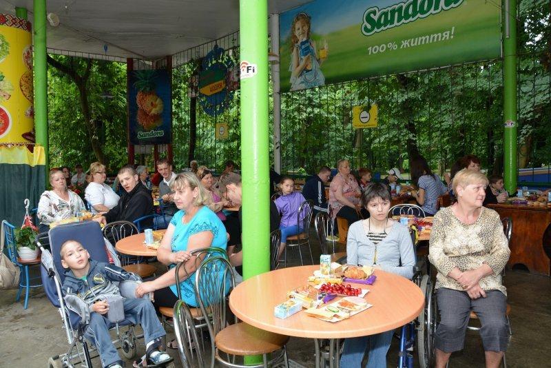 Хворим дітям та дітям-інвалідам у Чернівцях влаштували свято (фото) - фото 1