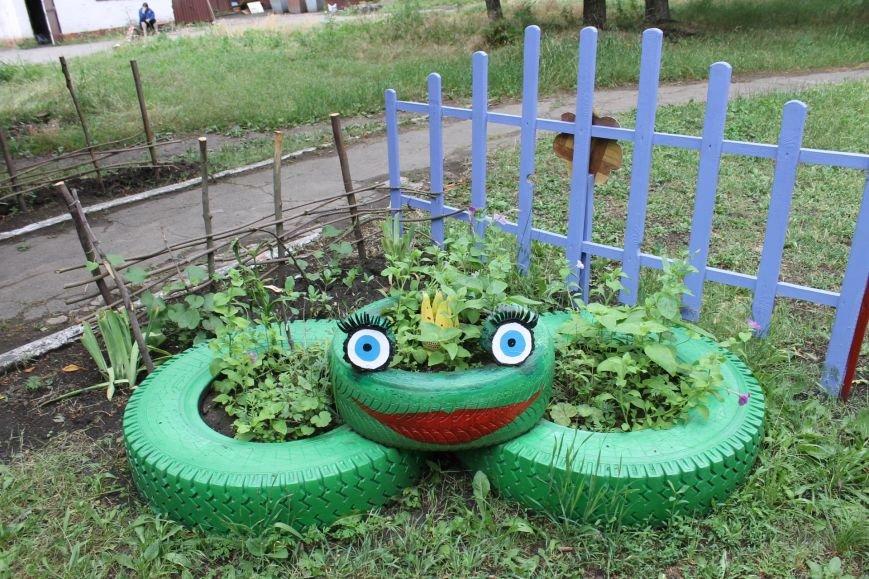 В Кривом Роге «при поддержке» молодых мамочек появилась детская площадка (ФОТО), фото-4