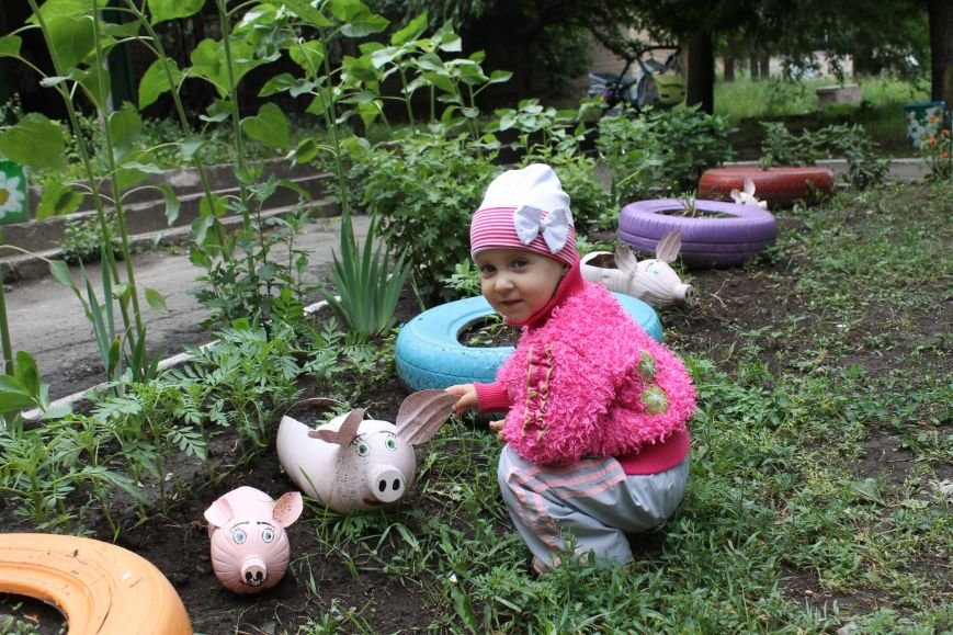 В Кривом Роге «при поддержке» молодых мамочек появилась детская площадка (ФОТО), фото-13