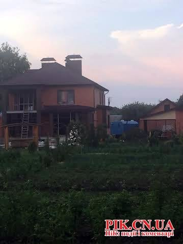Жить по-новому: Генерал Катеринчук, работая в Одессе выстроил себе роскошный дом под Черниговым (ФОТО) (фото) - фото 1