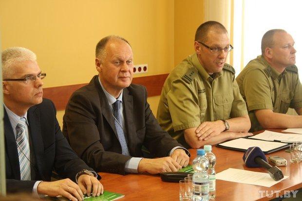 Польские пограничники из Кузницы рассказали как будут проверять у белорусов отпечатки пальцев (фото) - фото 1