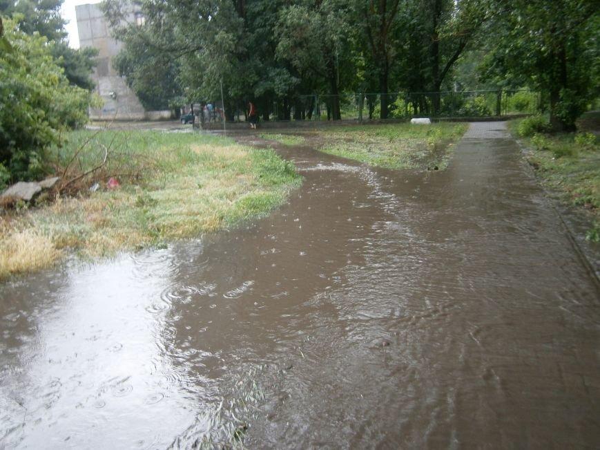 Как Димитров сегодня утопал в дождевых водах (ОБНОВЛЕНО) (фото) - фото 12