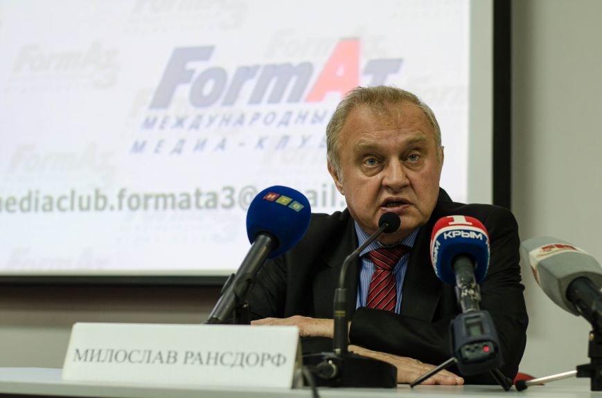 Депутат Европарламента в Симферополе: «Санкции, наложенные на Крым, - это волна безумия» (ФОТО), фото-1