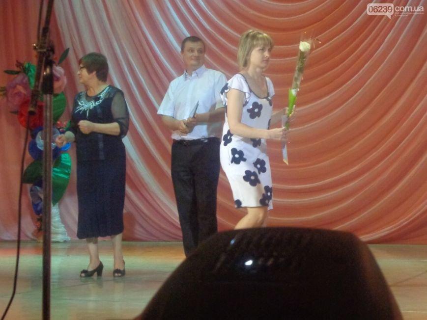 «Не болейте, доктор – мы за вас болеем»: в Красноармейске поздравили медицинских сотрудников, фото-5