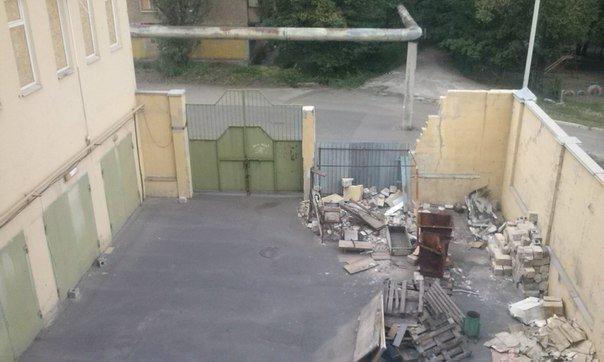 Что осталось от рынка на пр.Партизанский в Донецке после обстрелов (ФОТО) (фото) - фото 1