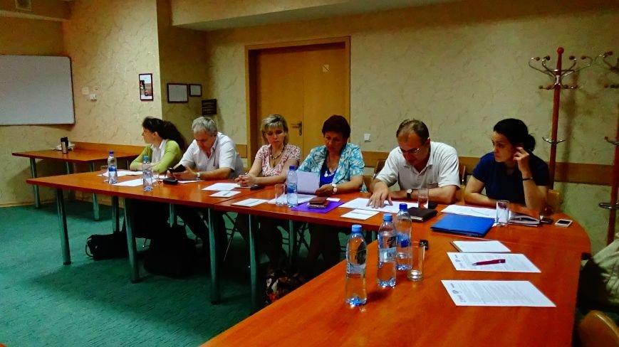 У Полтаві обговорювали кадрові питання у галузі протидії ВІЛ/СНІД (фото) - фото 2