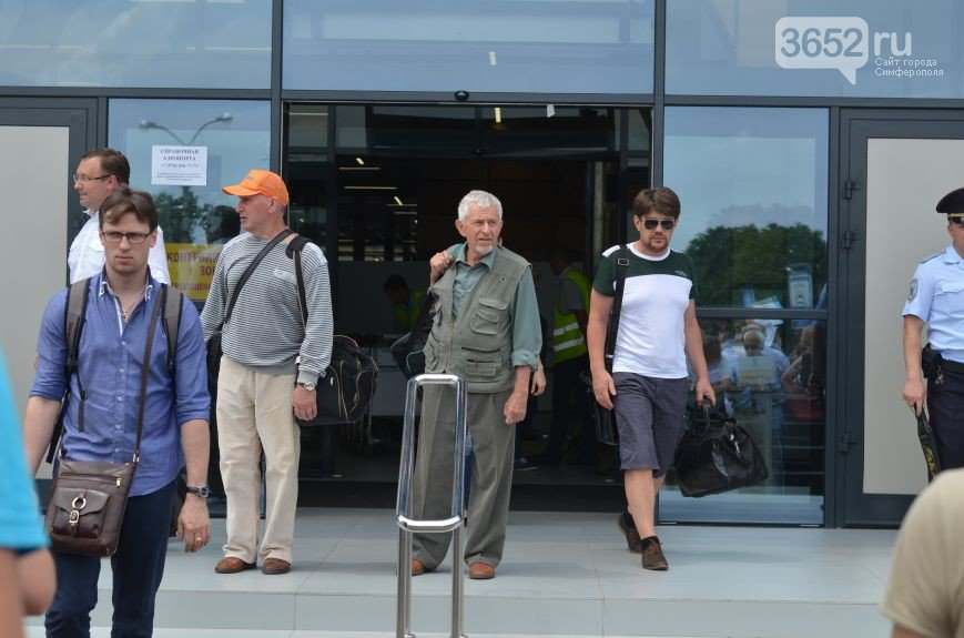Миллионный турист прилетела в Крым из Санкт-Петербурга. Сегодня ее встретили в аэропорту Симферополя (ФОТО) (фото) - фото 5