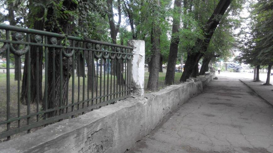 Криворожанин: Сердце кровью обливается, замечая, как раритетную чугунную литую ограду  «сплавляют» на металлолом (ФОТО), фото-5