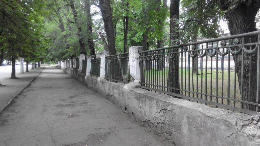 Криворожанин: Сердце кровью обливается, замечая, как раритетную чугунную литую ограду  «сплавляют» на металлолом (ФОТО), фото-6