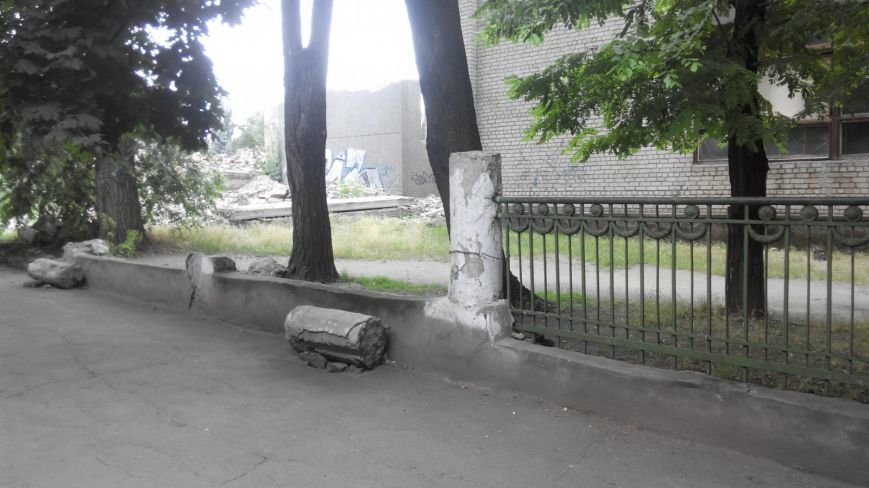 Криворожанин: Сердце кровью обливается, замечая, как раритетную чугунную литую ограду  «сплавляют» на металлолом (ФОТО), фото-3