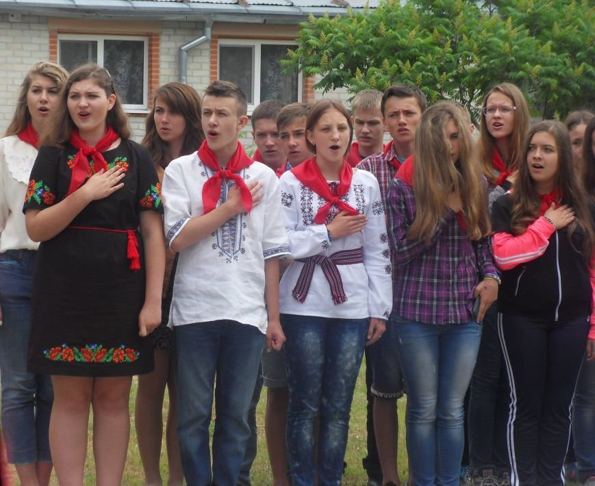 На Полтавщині відкрили сезон дитячого табору з більярдом та комп'ютерним класом. Фото (фото) - фото 1
