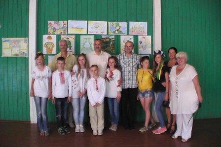 """У дитячому таборі """"Вербиченька"""" на Сторожинеччині оздоровлюються діти з Луганщини (ФОТО) (фото) - фото 1"""