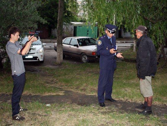 Кременчугские журналисты приобщились к охране общественного порядка в составе мобильных групп милиции (ФОТО) (фото) - фото 1