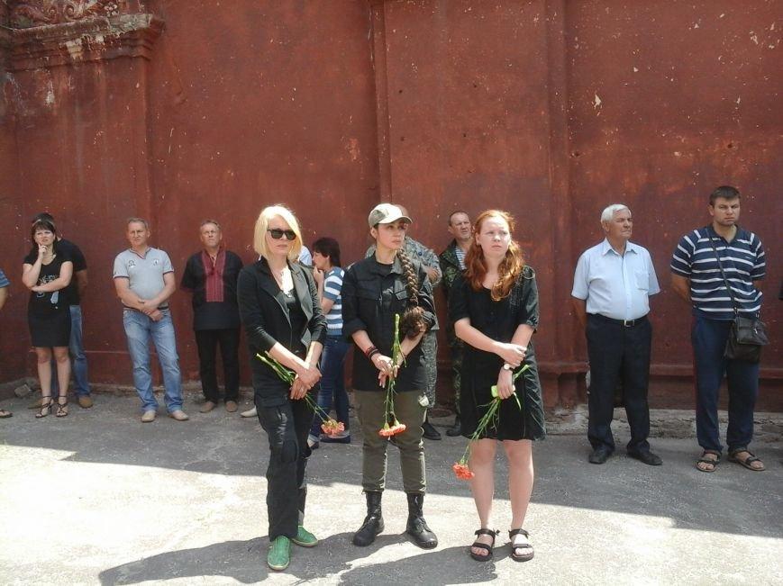 Сотни криворожан, став на колени, провели в последний путь бойца ДУКа Геннадия Дощенко (ФОТО), фото-20