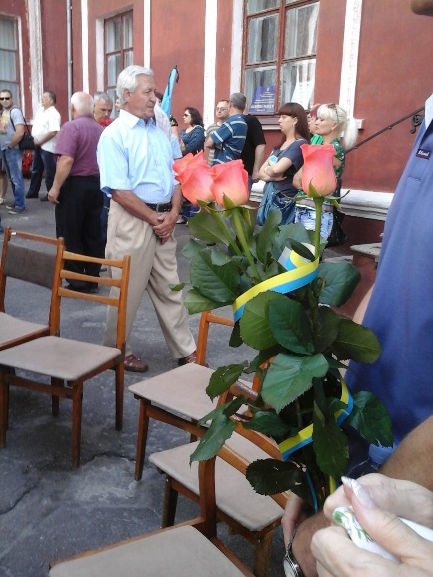 Сотни криворожан, став на колени, провели в последний путь бойца ДУКа Геннадия Дощенко (ФОТО), фото-9