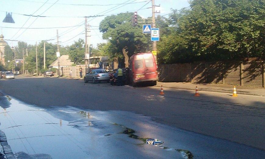 В Днепропетровске произошла авария на ул. Воронцова (фото) - фото 1