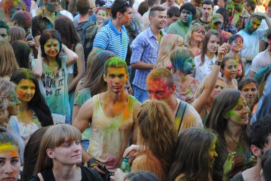 В парке Горького прошел фестиваль красок Холи (ФОТО), фото-7