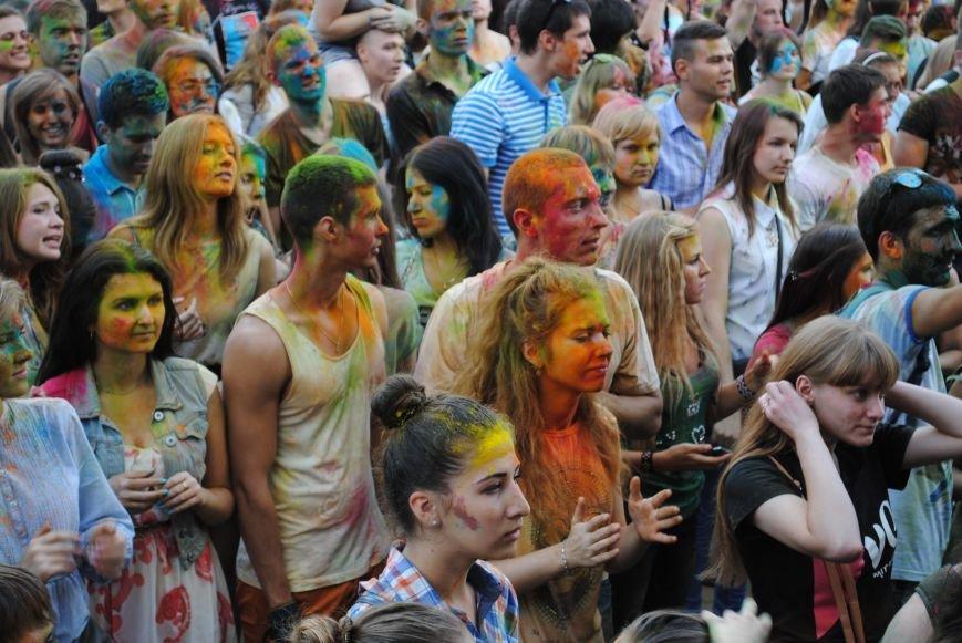 В парке Горького прошел фестиваль красок Холи (ФОТО), фото-11