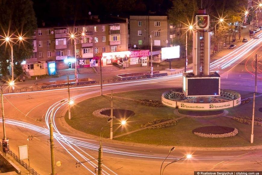В Кривом Роге: простились с бойцом ДУКа, фирмы депутатов получили миллионы из бюджета, а регбисты взяли «серебро» (фото) - фото 1