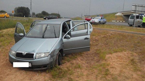 В Гродненской области водитель устроил часовую погоню с ГАИ: лихача остановили с помощью «ежа» (фото) - фото 1