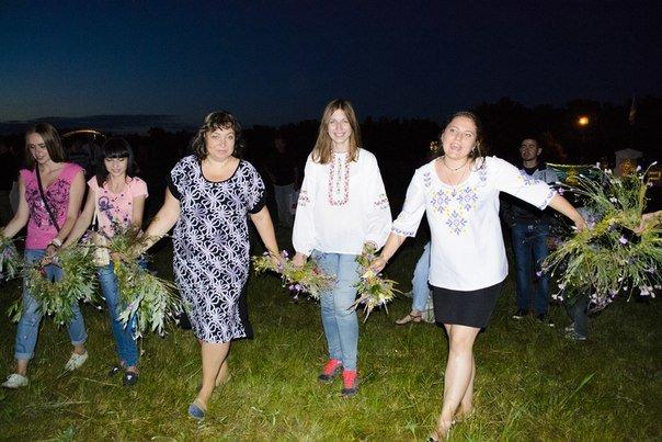 Николаевцы отметили праздник Купалы хороводами вокуруг костра (ФОТОРЕПОРТАЖ) (фото) - фото 4