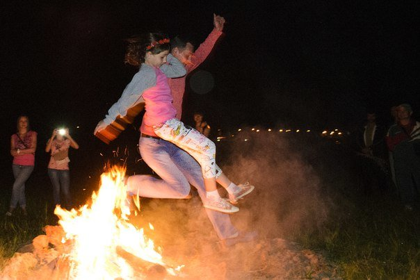 Николаевцы отметили праздник Купалы хороводами вокуруг костра (ФОТОРЕПОРТАЖ) (фото) - фото 13
