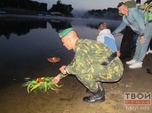 Гродненцы пустили 22 венка по Неману в память о Великой Отечественной войне (фото) - фото 5
