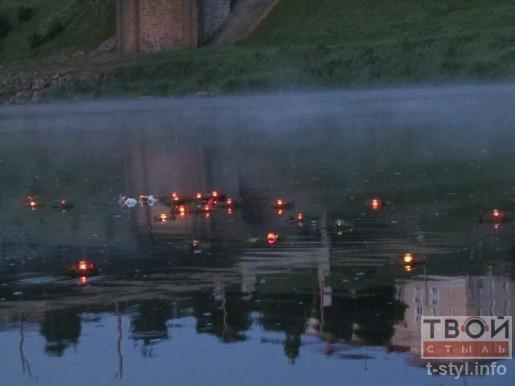 Гродненцы пустили 22 венка по Неману в память о Великой Отечественной войне (фото) - фото 7