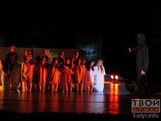 Гродненцы пустили 22 венка по Неману в память о Великой Отечественной войне (фото) - фото 2