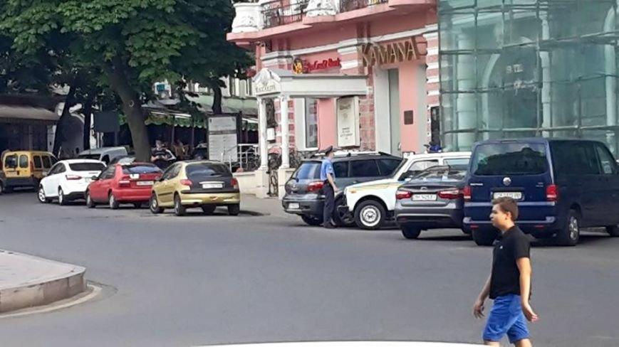 Дубенко: «Всех нелегальных парковщиков в Одессе крышует милиция» (ФОТО) (фото) - фото 1