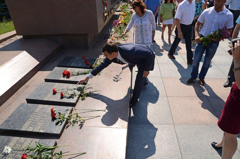 Николаевцы почтили память жертв  войны (ФОТО+ВИДЕО), фото-15