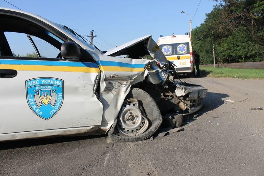 ДТП в Кривом Роге: школьники на «ВАЗе» влетели в автомобиль государственной службы охраны. Есть пострадавшие (ФОТО, ВИДЕО), фото-11
