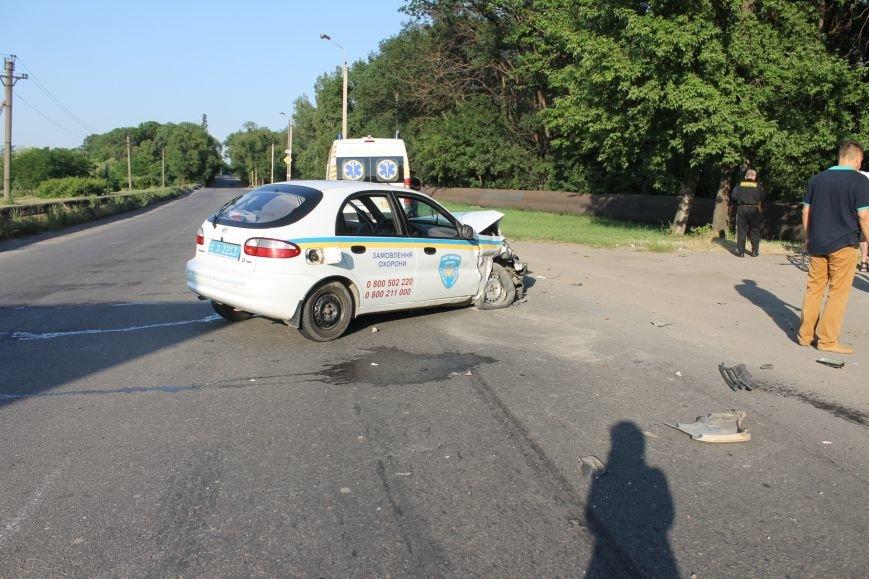 ДТП в Кривом Роге: школьники на «ВАЗе» влетели в автомобиль государственной службы охраны. Есть пострадавшие (ФОТО, ВИДЕО), фото-13