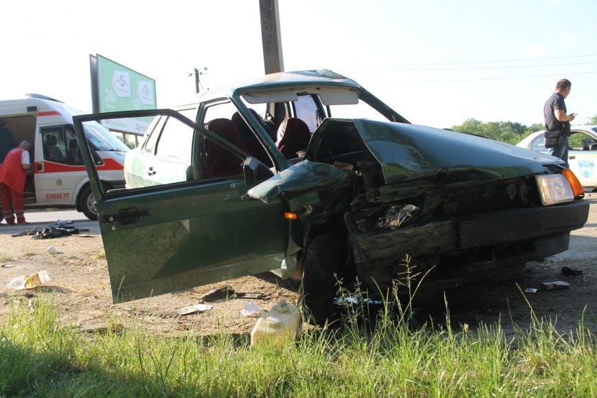 ДТП в Кривом Роге: школьники на «ВАЗе» влетели в автомобиль государственной службы охраны. Есть пострадавшие (ФОТО, ВИДЕО), фото-7