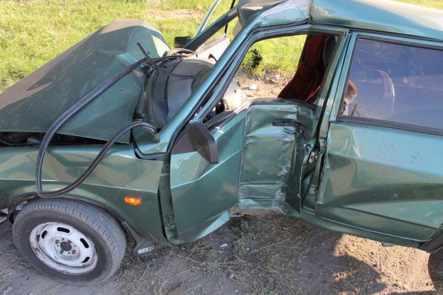 ДТП в Кривом Роге: школьники на «ВАЗе» влетели в автомобиль государственной службы охраны. Есть пострадавшие (ФОТО, ВИДЕО), фото-17