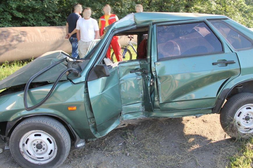 ДТП в Кривом Роге: школьники на «ВАЗе» влетели в автомобиль государственной службы охраны. Есть пострадавшие (ФОТО, ВИДЕО), фото-3