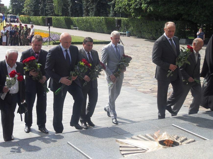 В Полтаві вшанували жертв війни в Україні. Фото (фото) - фото 4