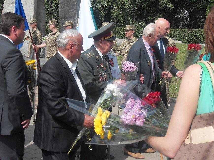 В Полтаві вшанували жертв війни в Україні. Фото (фото) - фото 7