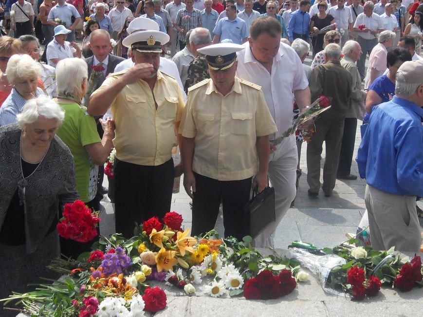 В Полтаві вшанували жертв війни в Україні. Фото (фото) - фото 13