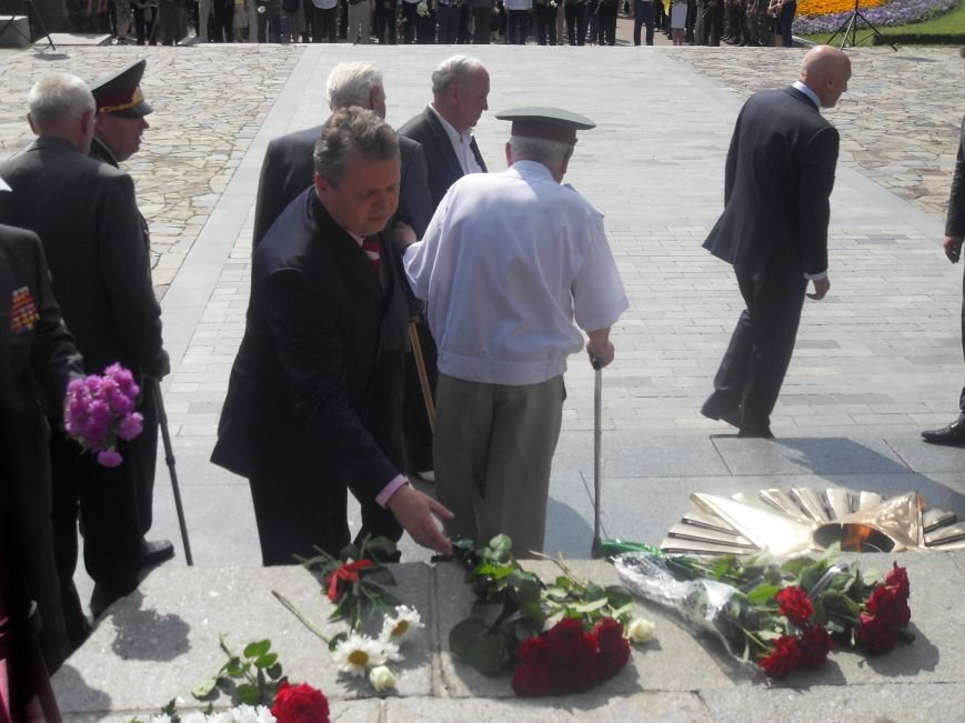 В Полтаві вшанували жертв війни в Україні. Фото (фото) - фото 5