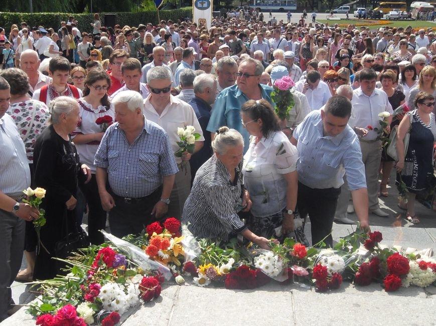 В Полтаві вшанували жертв війни в Україні. Фото (фото) - фото 14
