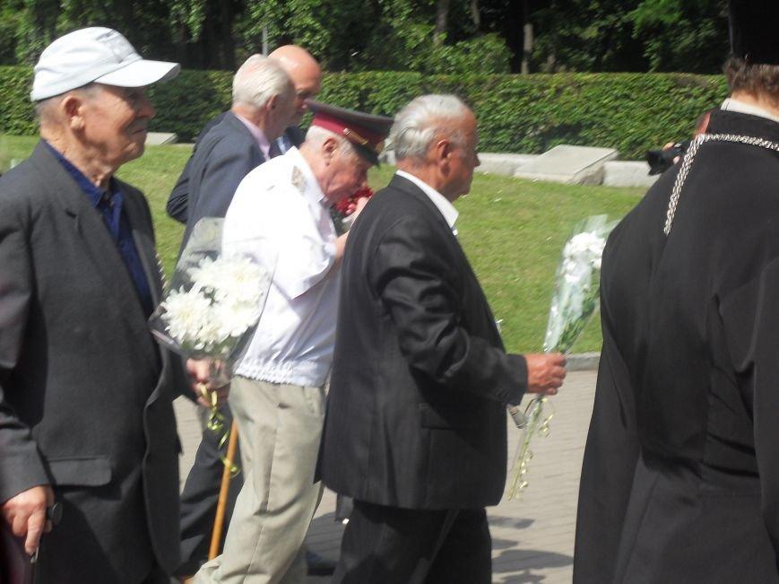 В Полтаві вшанували жертв війни в Україні. Фото (фото) - фото 8