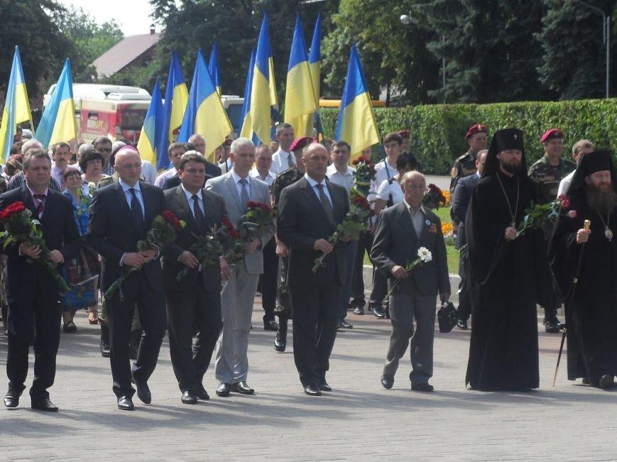 В Полтаві вшанували жертв війни в Україні. Фото (фото) - фото 2