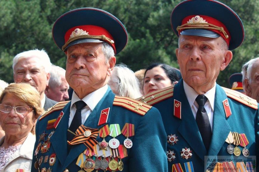 В День памяти и скорби в Симферополе почтили память павших героев-освободителей (ФОТОРЕПОРТАЖ) (фото) - фото 10