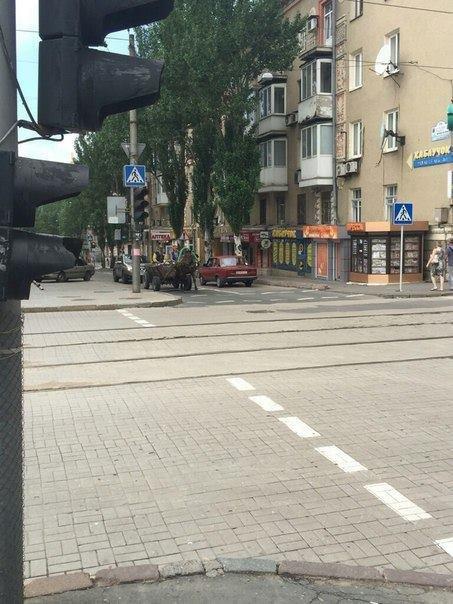 По центру Донецка ездит гужевой транспорт (ФОТОФАКТ) (фото) - фото 1