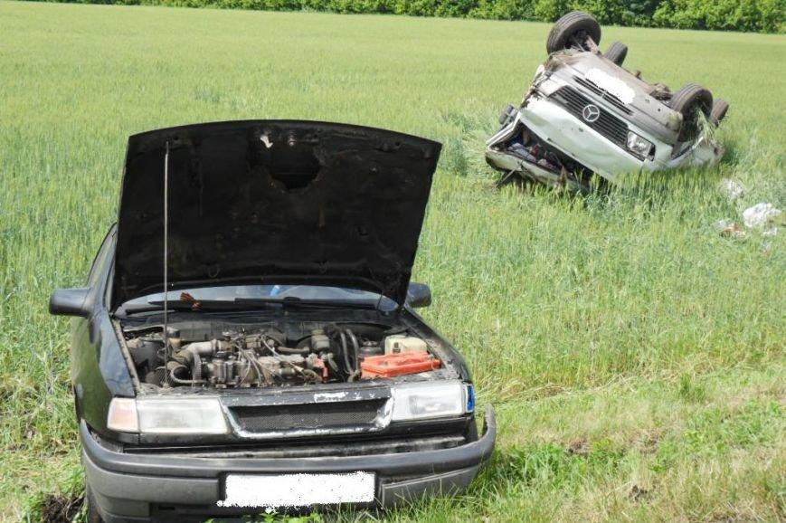 В Белгородской области на трассе иномарка слетела в кювет: водитель погиб (фото) - фото 1